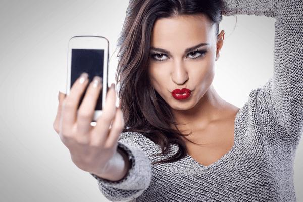 Las selfies y cómo puedes integrarlas a tu plan de marketing #Infografía